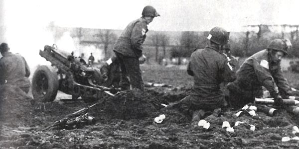Men of the 680th GFAB, firing a few minutes after landing at Wesel